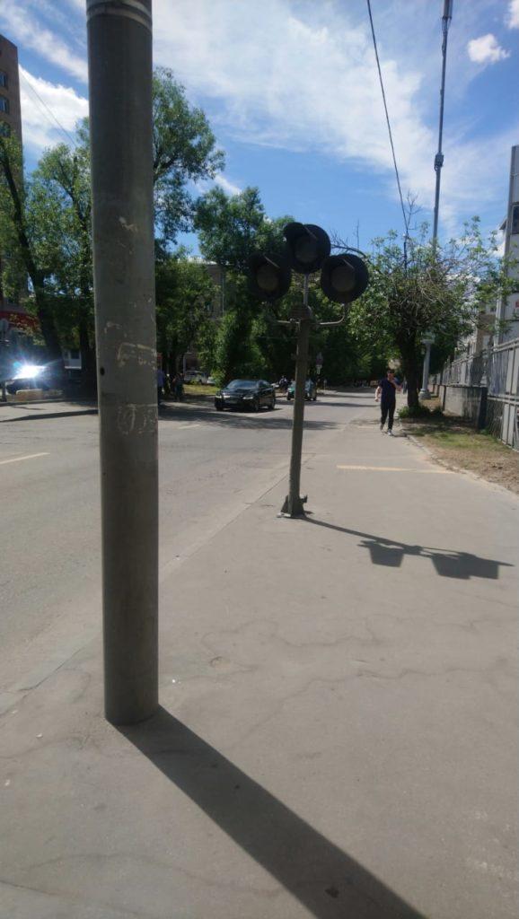 Подвох-подстава на дороге в Москве по собянински - псевдо светофор